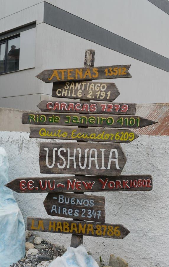 Un puntatore alle vie di Ushuaia immagini stock