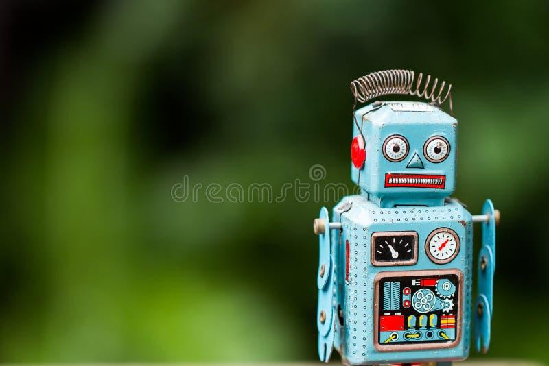 un rétro jouet de robot de bidon photo stock