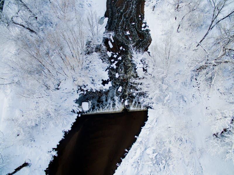 Un río hermoso en Denver Colorado Estación nevada del invierno imagen de archivo libre de regalías