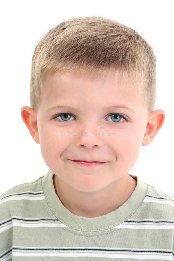 Un ragazzo adorabile di quattro anni fotografie stock