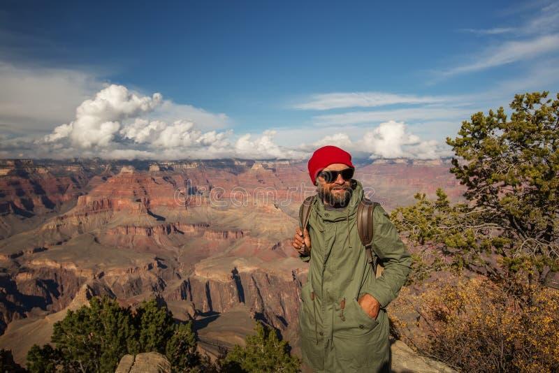 Un randonneur en parc national de Grand Canyon, jante du sud, Arizona, Etats-Unis photos stock