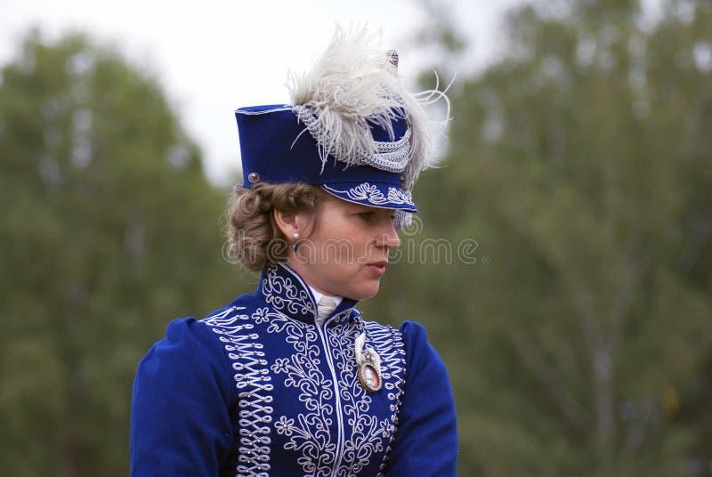 Un reenactor de femme à la reconstitution historique de bataille de Borodino en Russie photo stock