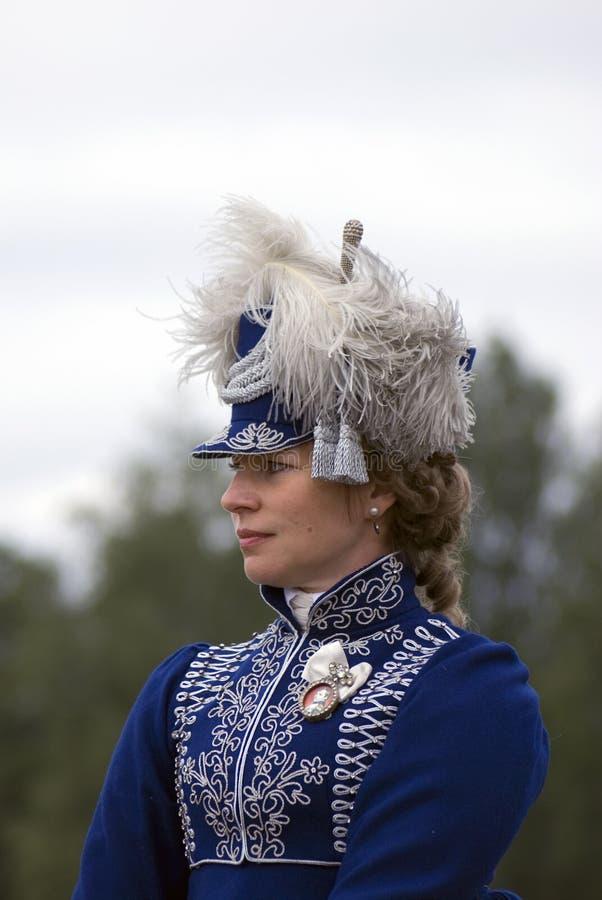 Un reenactor de la mujer en la reconstrucción histórica de la batalla de Borodino en Rusia imagen de archivo libre de regalías