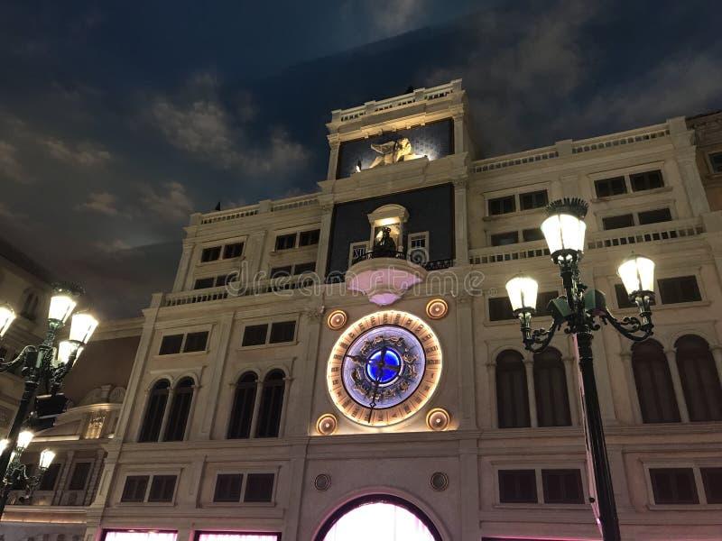 Un reloj grande en veneciano, Macao fotografía de archivo