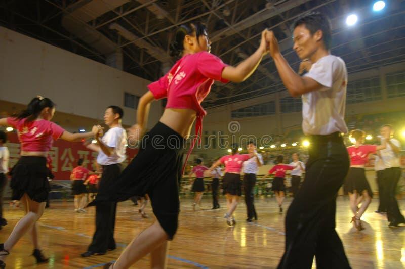 Un ressortissant latin de danse de norme internationale de la Chine Nan-Tchang de représentation du ` s d'amant ouvert photos stock