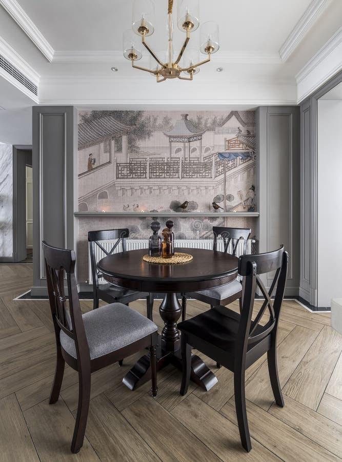 Un restaurant moderne de famille photos stock