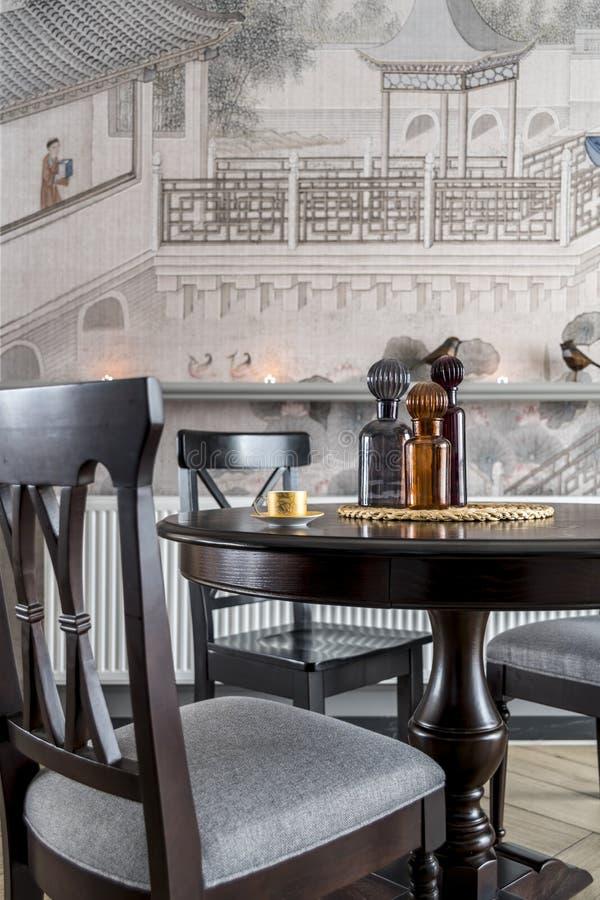 Un restaurant moderne de famille photographie stock libre de droits