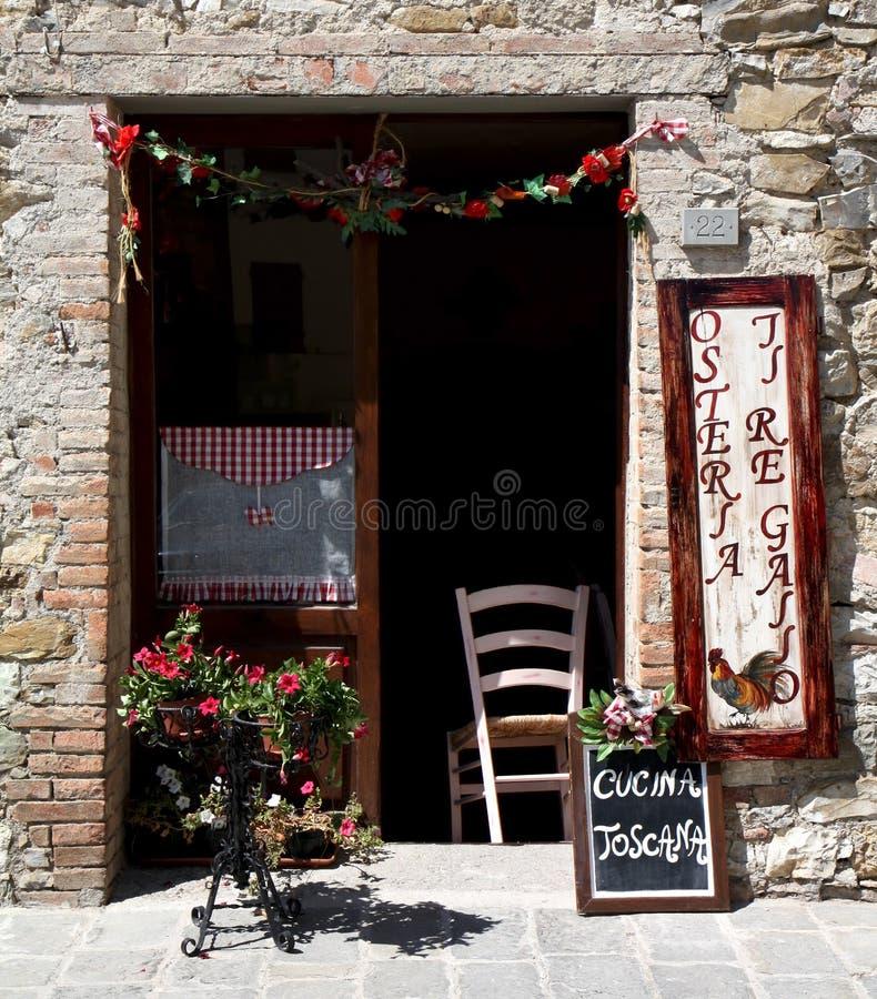 Un restaurant toscan typique, Italie image libre de droits