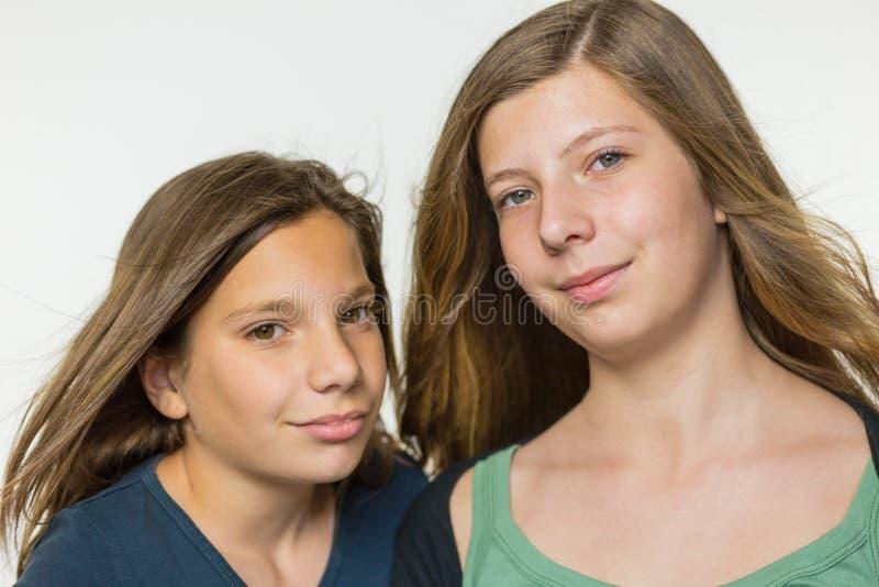 Un ritratto di due adolescenti immagini stock libere da diritti