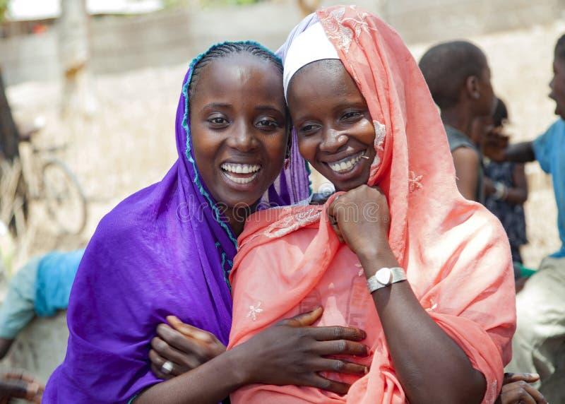 Un ritratto di due ragazze africane fotografia stock