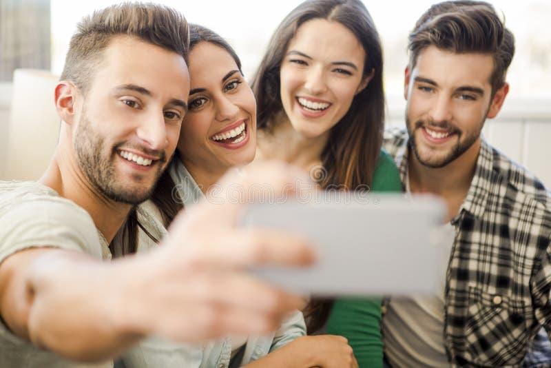 Un selfie con los amigos fotos de archivo libres de regalías