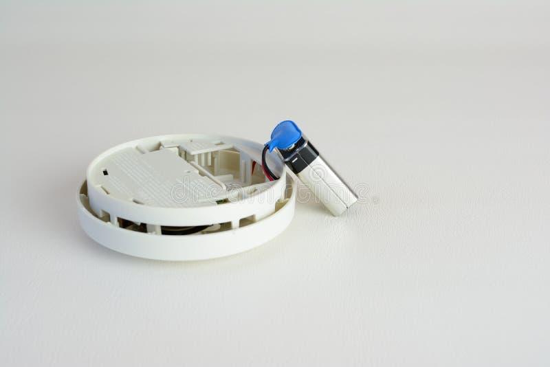 Un sensore di fumo immagine stock