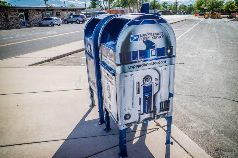 Un service de messagerie postal dans Roswell, Nouveau Mexique photos stock