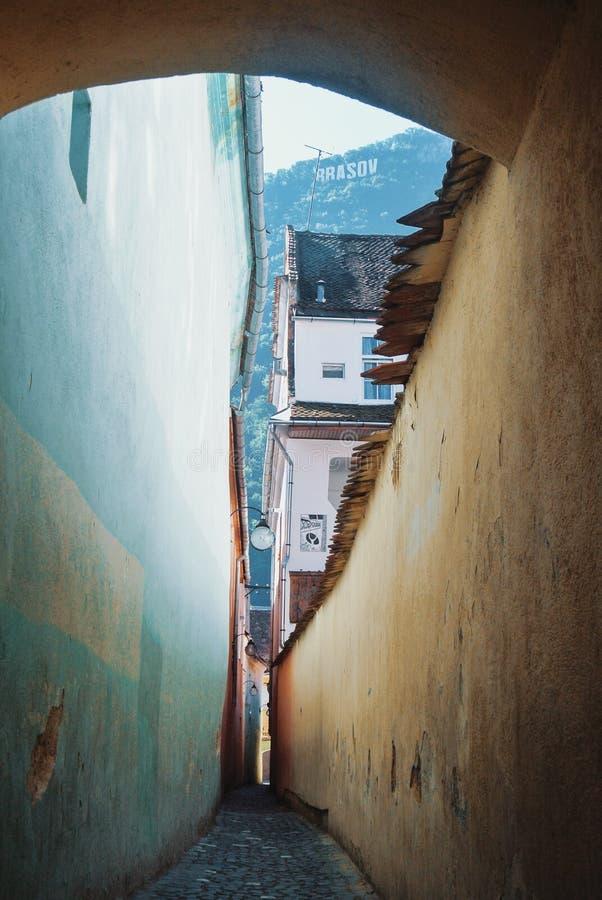 Un sforii étroit de Strada de ruelle, un des plus étroite en Europe, a photographie stock libre de droits