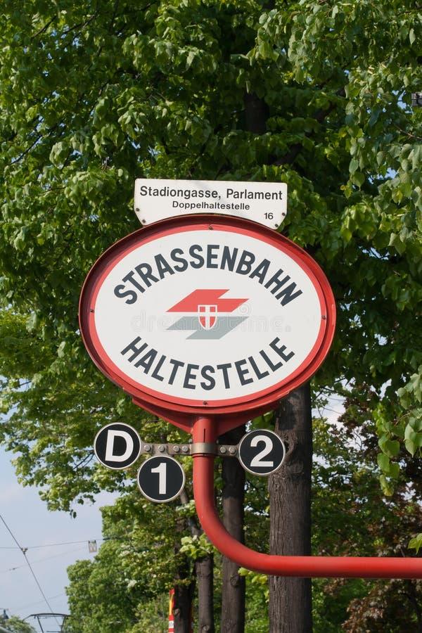 Un signe à l'arrêt de tramway image stock