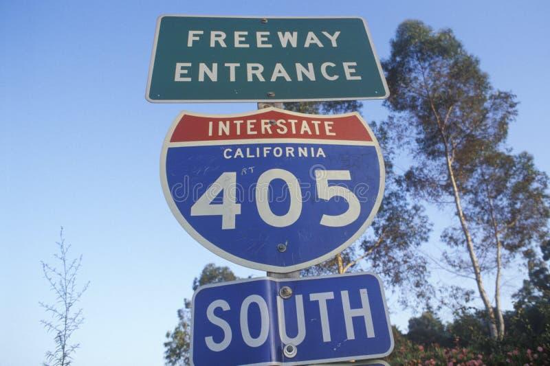 Un signe pour l'entrée d'autoroute de 405 San Diego photo libre de droits