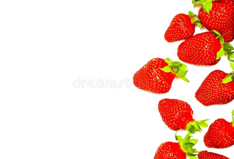 Un sistema de la fresa fresca aislado en el fondo blanco fotografía de archivo libre de regalías