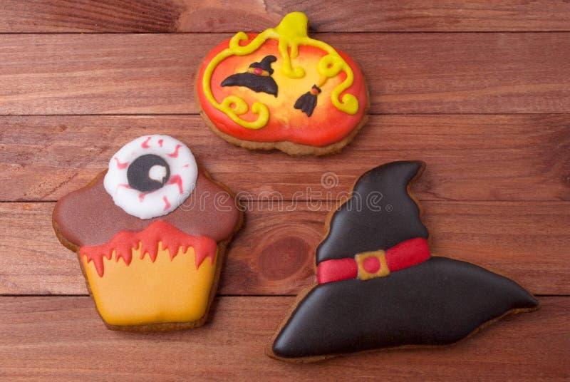 Un sistema de las galletas del pan de jengibre para el partido de Halloween imagen de archivo libre de regalías