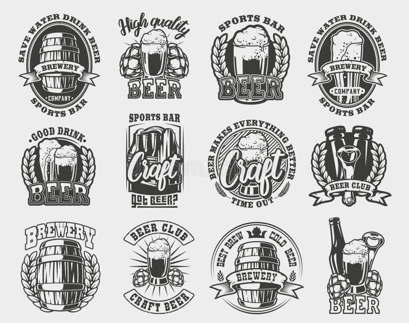 Un sistema grande de ejemplos del vector en el tema de la cerveza libre illustration