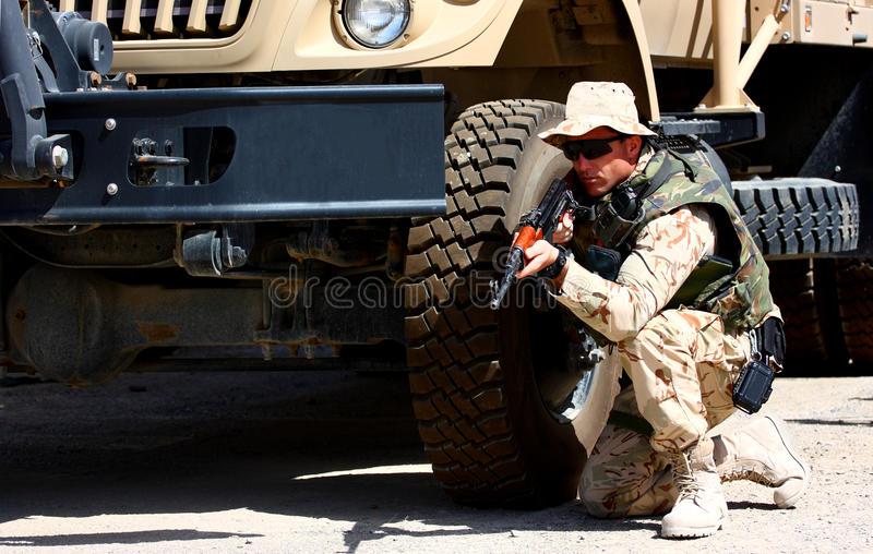 Un soldado al aire libre imágenes de archivo libres de regalías