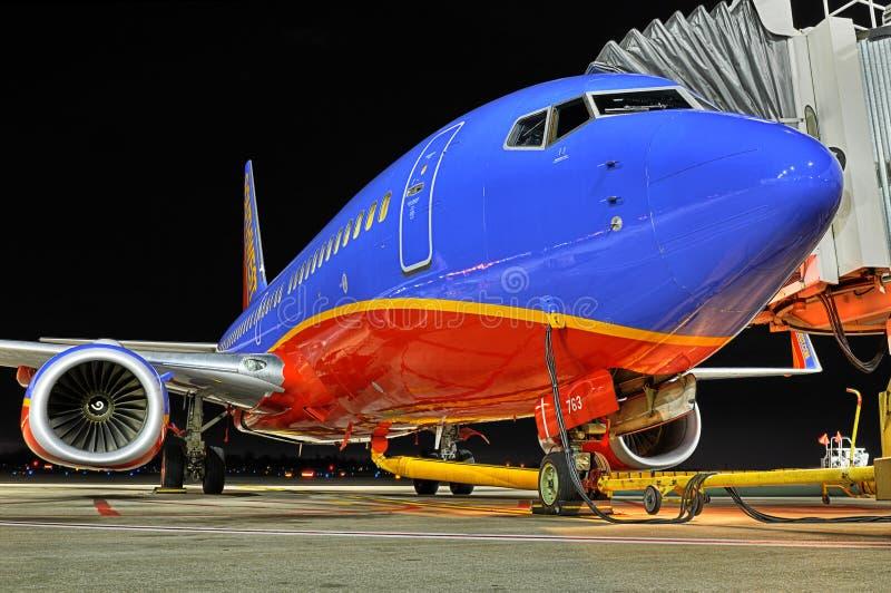 Un Southwest Airlines en la puerta foto de archivo libre de regalías
