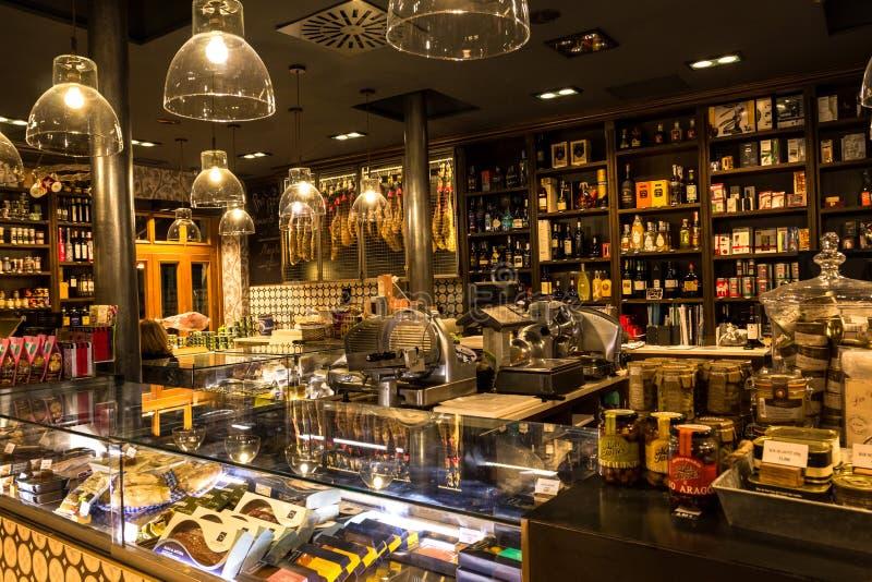 Un stock éclatant de nourriture et de boisson à Bilbao, Espagne images libres de droits