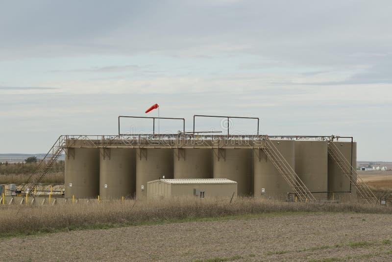 Un stockage d'huile échoue dans le Dakota du Nord image libre de droits