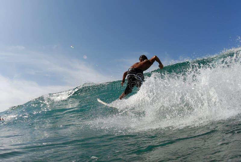 Un surfista immagine stock