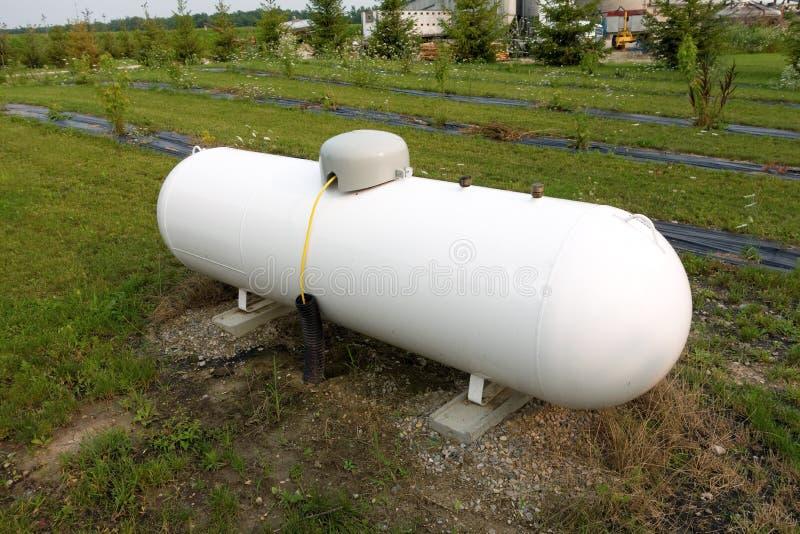 Un tanque de propano en una granja en Ontario fotografía de archivo libre de regalías