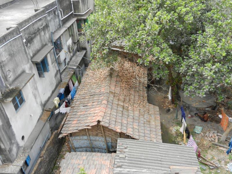 Un taudis dans l'Inde image libre de droits