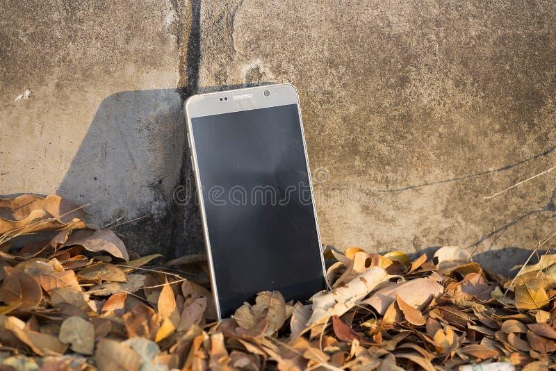 Un telefono di touch screen rotto fotografia stock libera da diritti