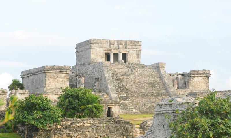 Un temple maya utilisé pour des cérémonies image stock