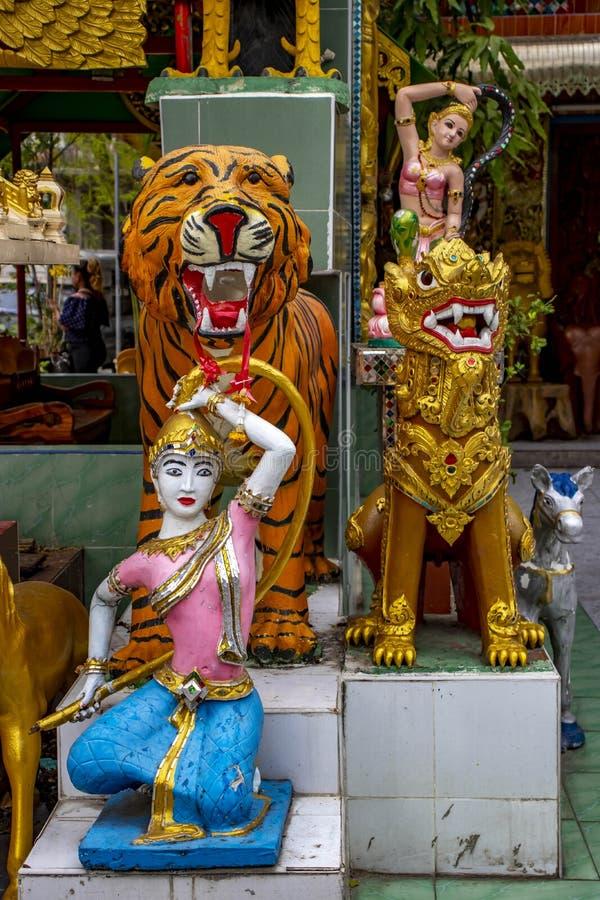 Un templo budista en Bangkok, Tailandia foto de archivo