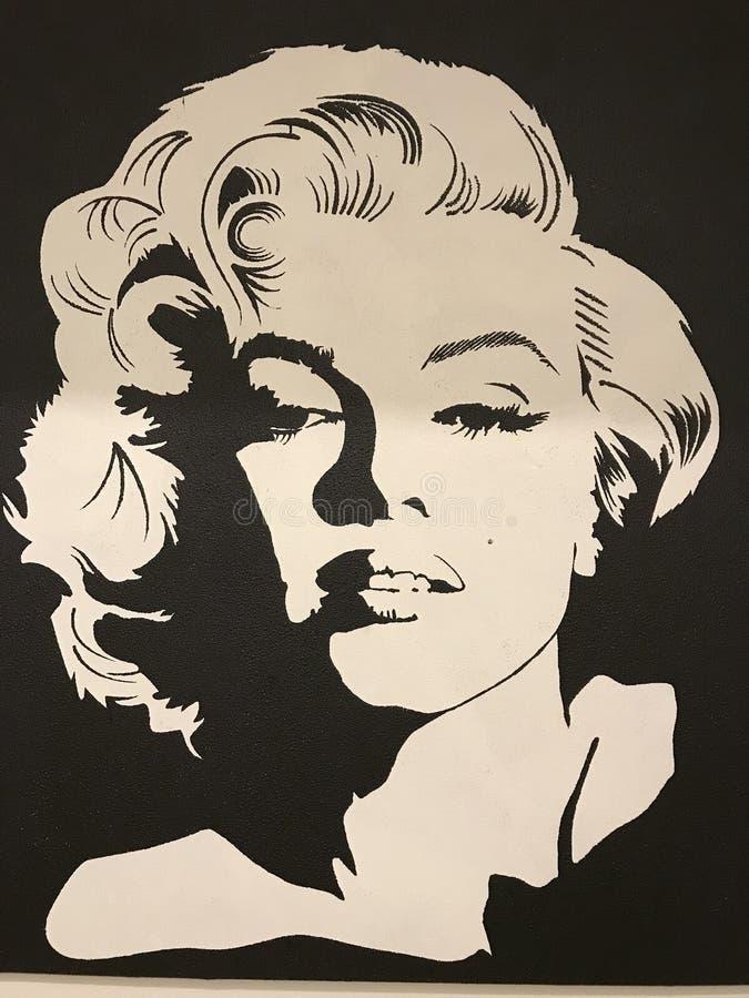 Un tiro negro y blanco icónico de Marilyn Monroe en su prima - ICONO - ESTRELLA imagen de archivo