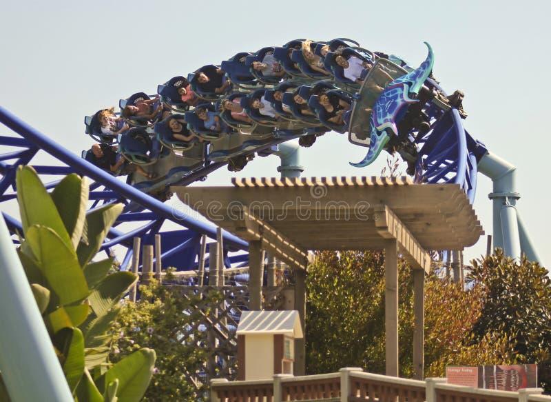 Un tour de montagnes russes de Manta, SeaWorld, San Diego photos stock