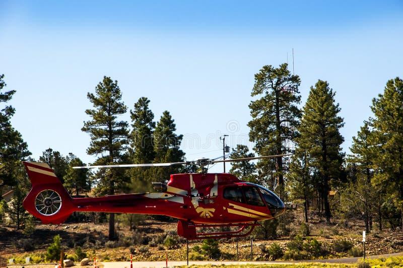 Un tour en hélicoptère au-dessus du Grand Canyon en Arizona USA l'une des 7 merveilles du monde naturel image libre de droits