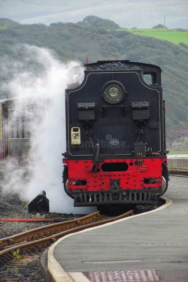 Un train à vapeur image stock