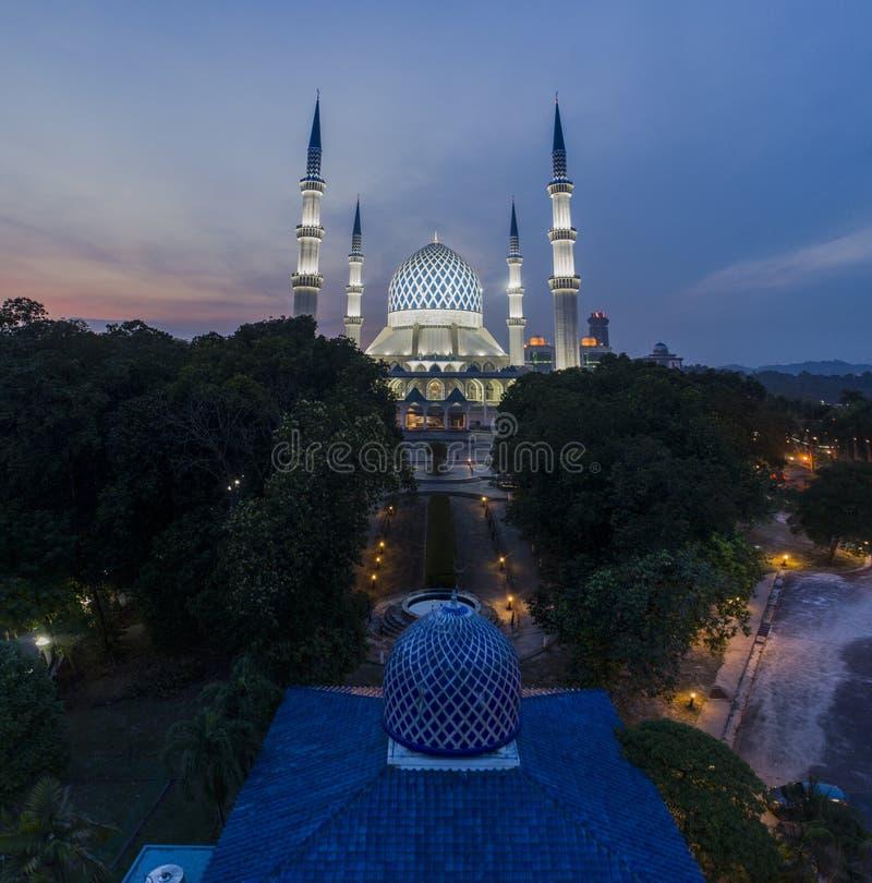 Un tramonto alla moschea blu, Shah Alam immagine stock