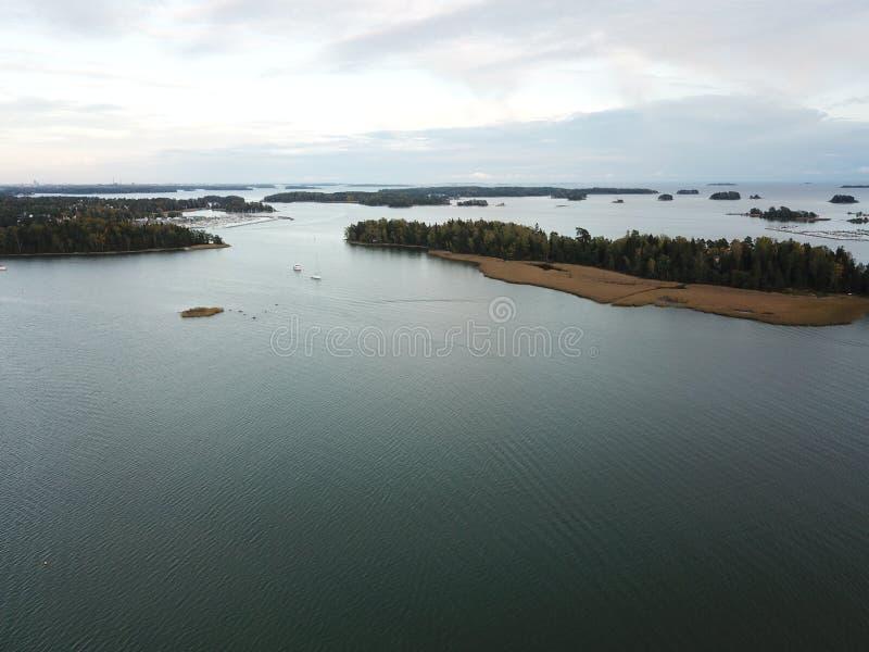Un tramonto da qualche parte ad arghipelago della Finlandia fotografia stock