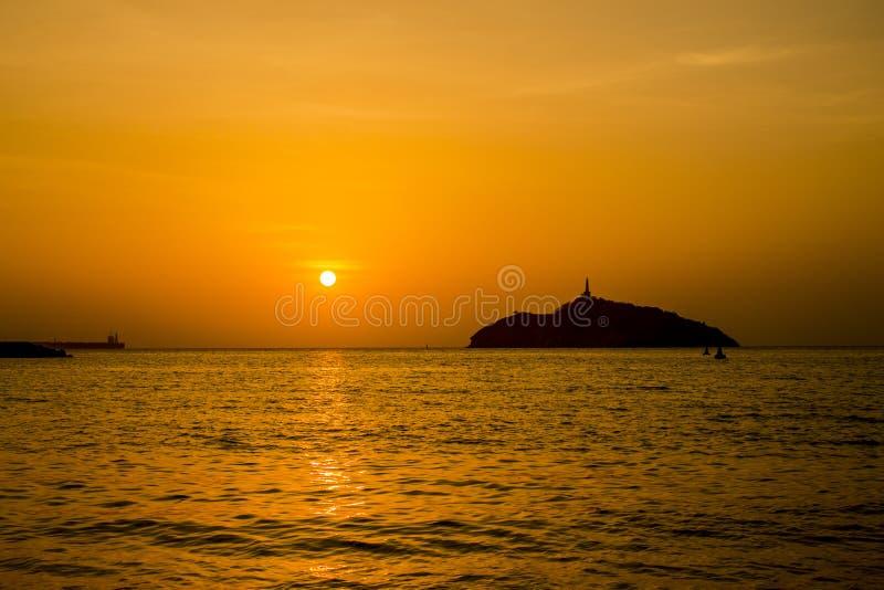 un tramonto fra le ombre fotografia stock libera da diritti