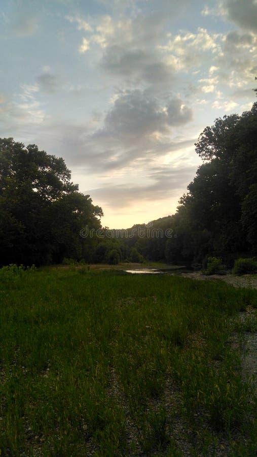 Un tramonto pacifico dell'insenatura immagine stock