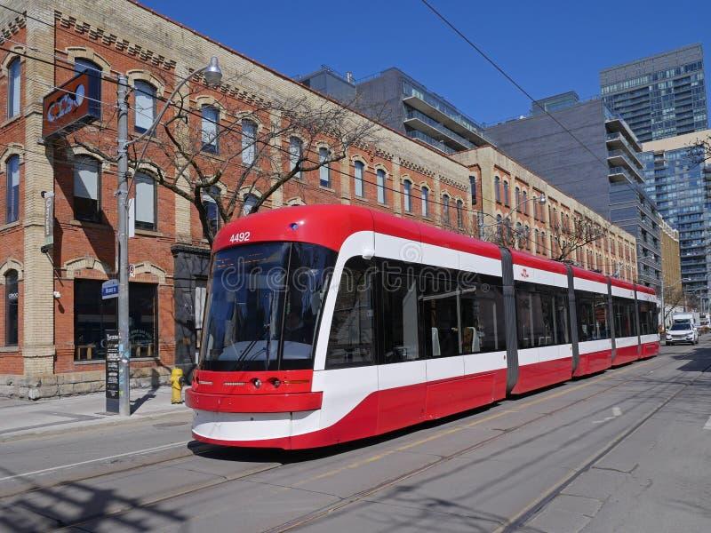 Un tramway moderne à Toronto images libres de droits