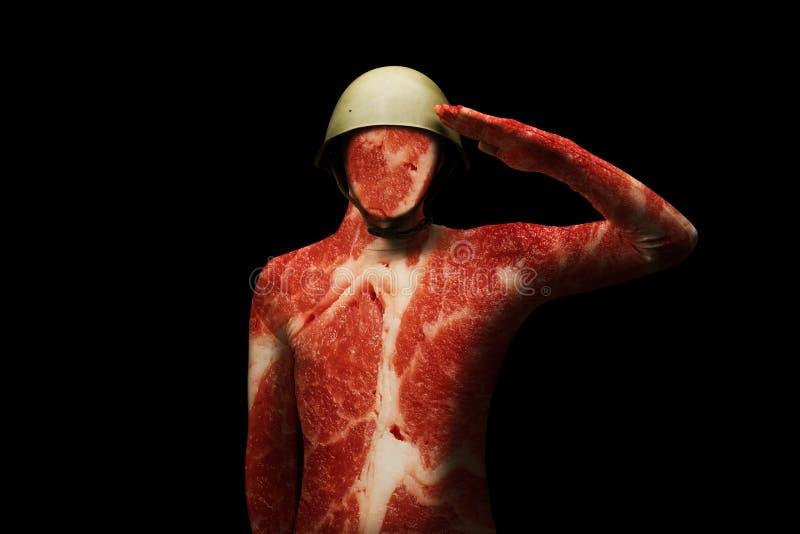 Un uomo in un casco militare Struttura della carne sul corpo Concetto - l'uomo è appena carne nel sistema Condizione di saluto de illustrazione vettoriale