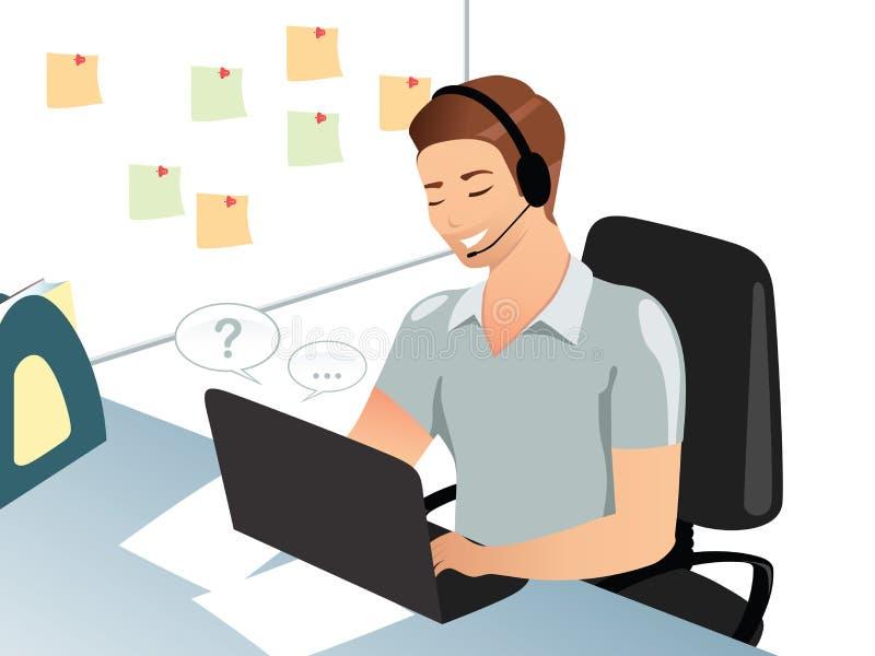 Un uomo o un impiegato di ufficio sorridente risponde alle domande via il email, chat room, facendo uso del computer portatile, p immagini stock