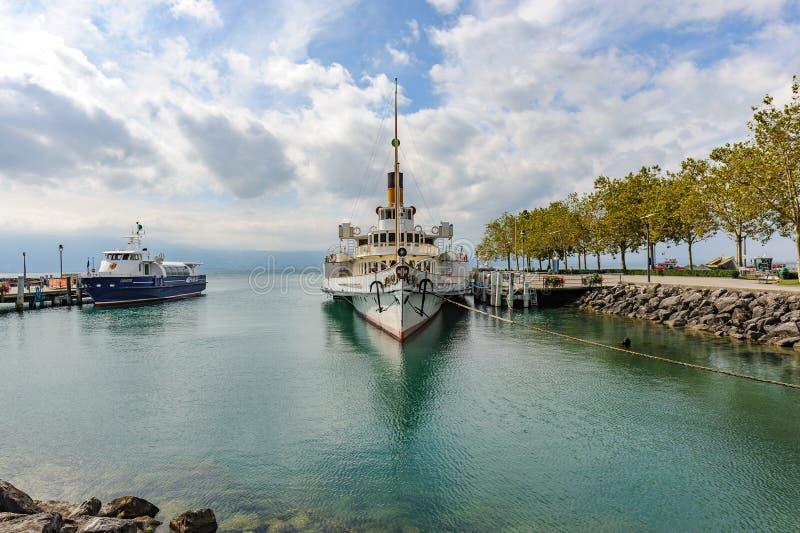 Un vapor de paleta, un barco de vapor restaurado único y moderno como comm fotos de archivo libres de regalías