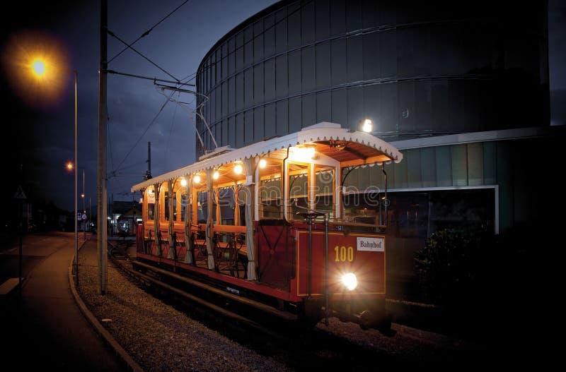 Un vecchio tram come attrazione turistica fotografie stock