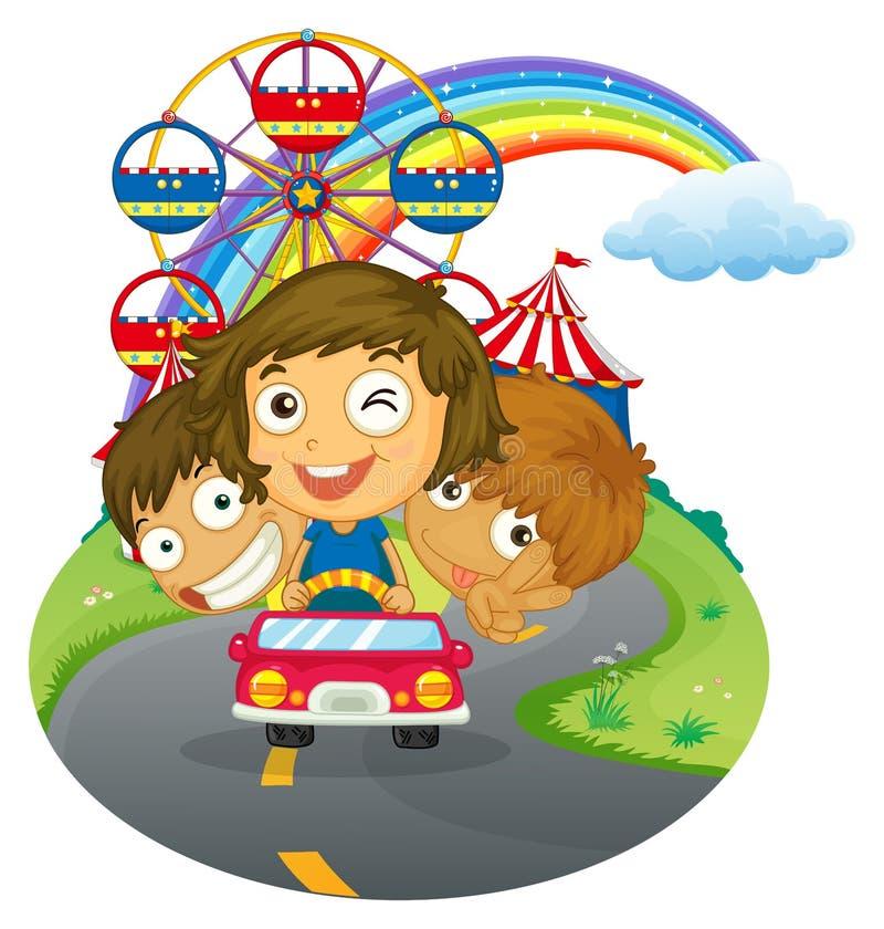 Un vehículo con los niños felices cerca del parque de atracciones stock de ilustración