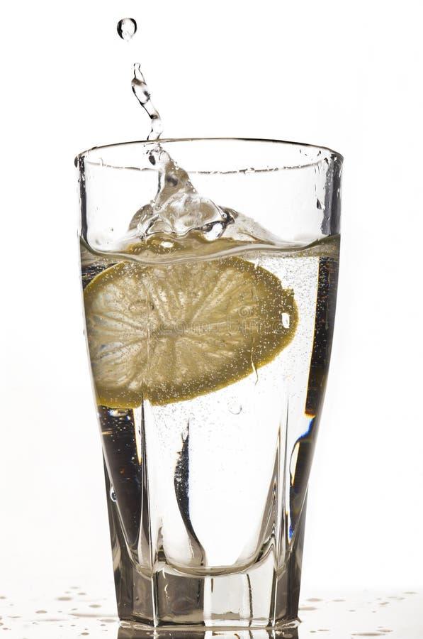 Un verre d'eau photographie stock