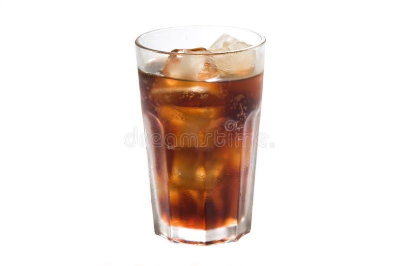 Un vetro con i cubi di ghiaccio fotografia stock
