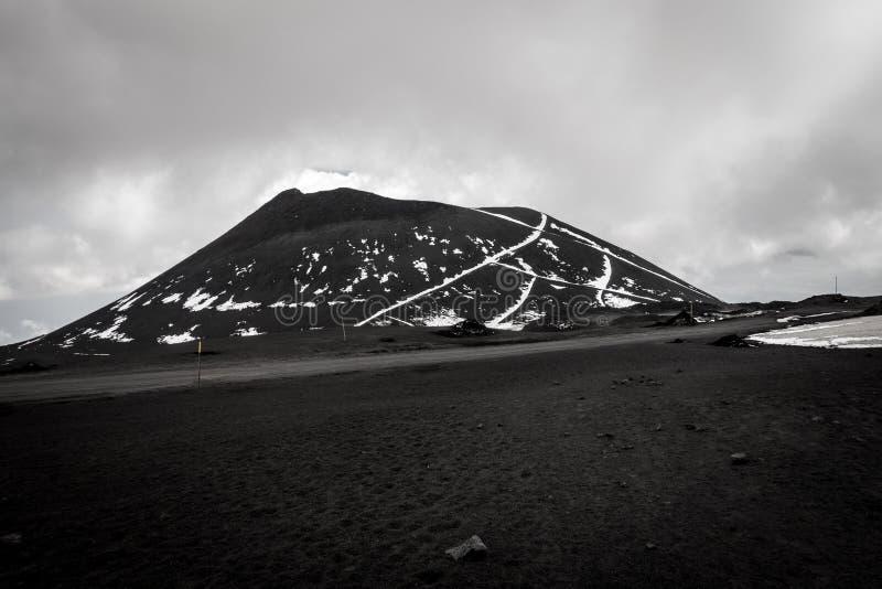 Un vieux volcan près de volcan l'Etna photographie stock
